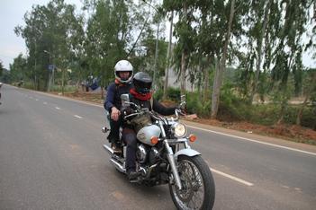 Motorcycle Tour: Hanoi - Tay Thien pagoda