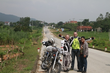 Motorcycle Tour: Ha Noi - Ho Chi Minh