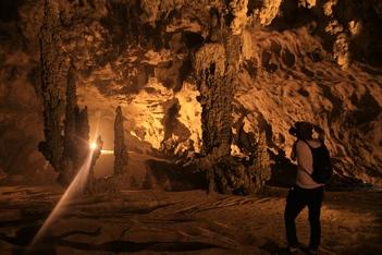 Cao Bang - Ban Gioc - nguom Ngao cave - Cao bang